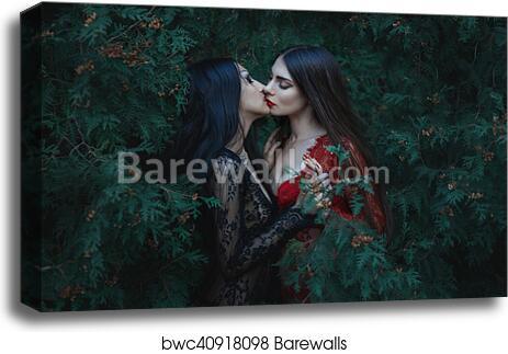 lesbians kissing andgay threesome porn tube